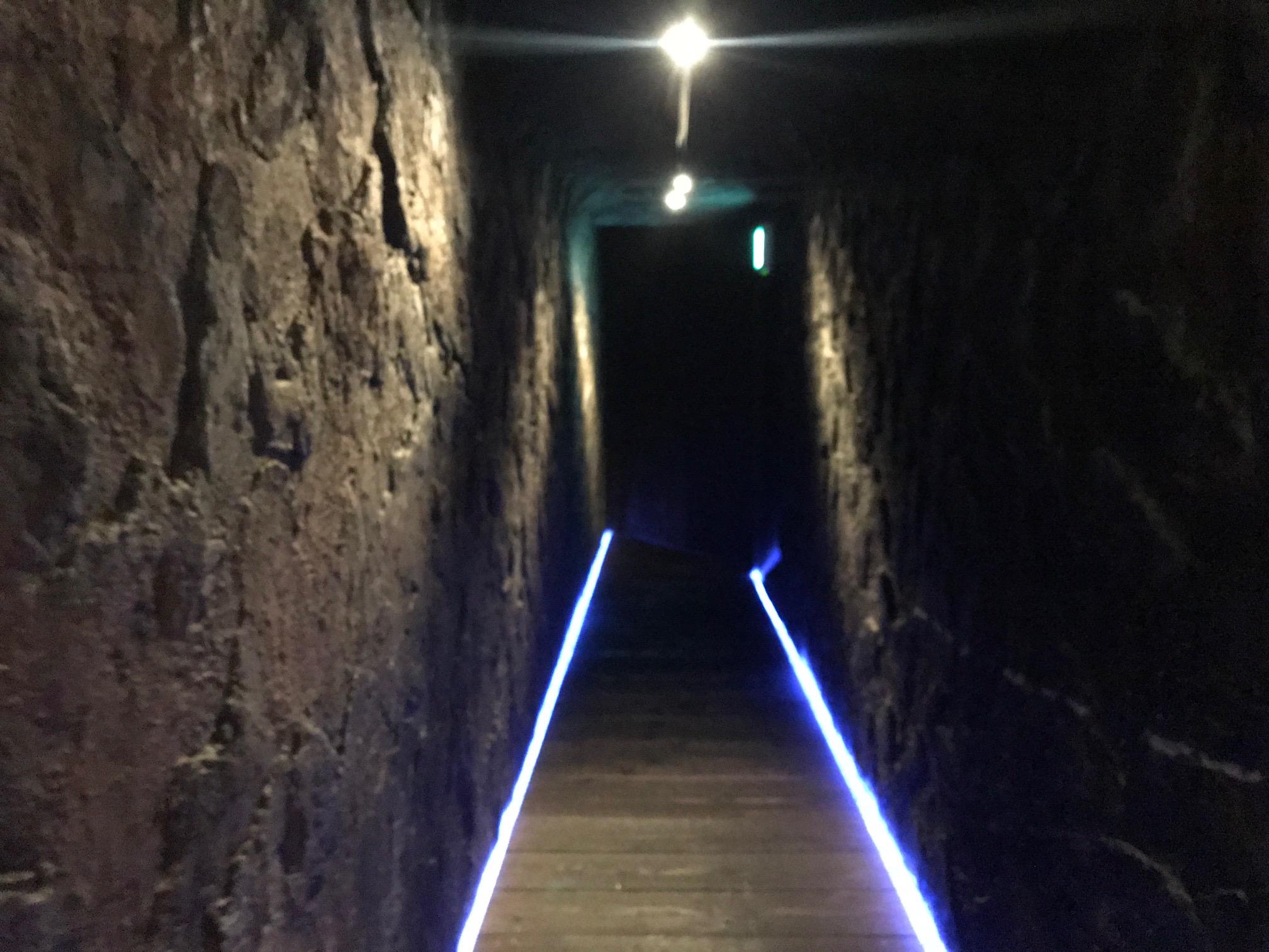 アルファ広島の廊下
