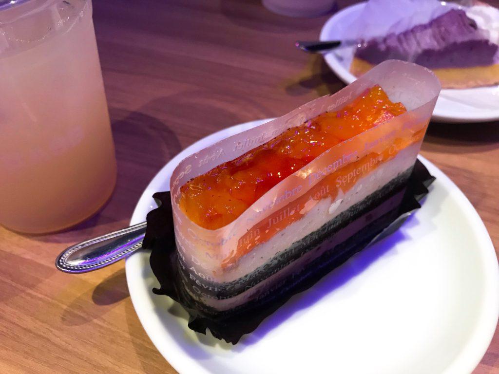 アソビバー梅田店のケーキ